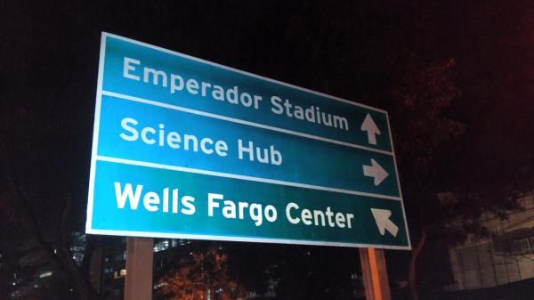 Sign to Emperador